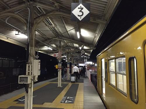 JR可部駅に停車中の列車「広K-12」