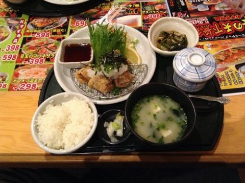 ぐるめ亭で和風おろしからあげ定食を食べた