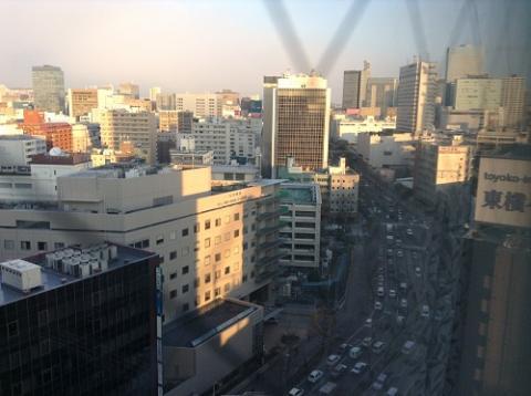 アパヴィラホテル 仙台駅五橋の室内から眺めた仙台駅方面の景色