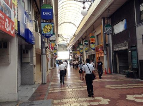 JR新小岩駅 (2013年7月10日、駅南口の朝の様子)