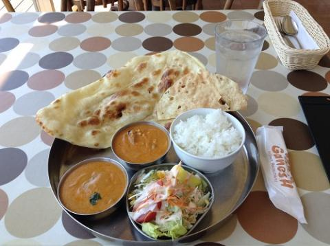 インド料理 ガネーシュ 宇品店でスペシャルランチセットを食べる
