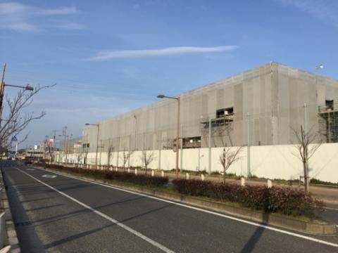 建設途中の松山市立余土中学校