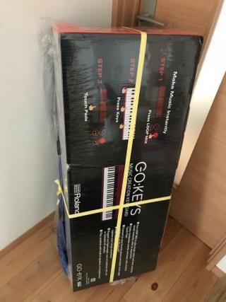 Roland GO:KEYSの赤いキーボードと専用キーボードケースを購入した (小学6年生の娘と猫-ゆきお)