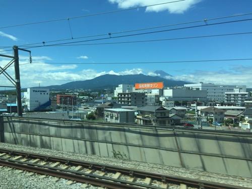 新幹線のぞみ227号・新大阪行から見えた富士山-協和発酵キリン付近