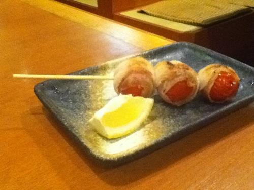 坂出グランドホテル1階にある「海鮮料理 磯野の匠」で食べることができる「バラトマト」