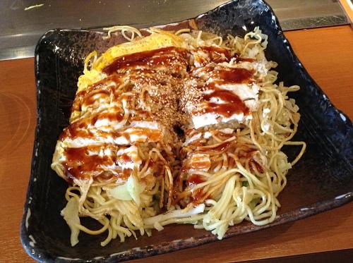 広島風お好み焼き(豚肉・玉子・そば)(お好み焼き・鉄板居食家徳兵衛 広島新幹線店)
