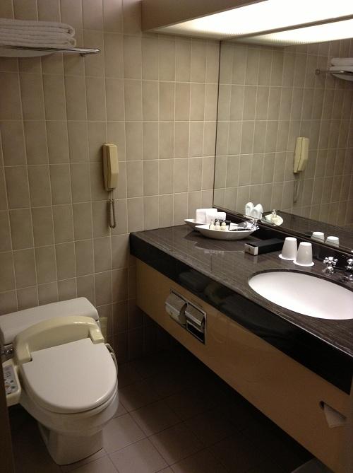 ヨコハマ グランド インターコンチネンタル ホテルの浴室内(洗面所とトイレ)