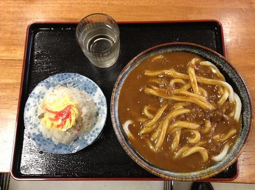 白川うどん 丸亀店のカレーうどん、バラ寿司