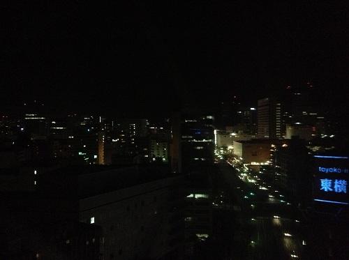 アパヴィラホテル 仙台駅五橋の室内から眺めた仙台駅方向の夜景