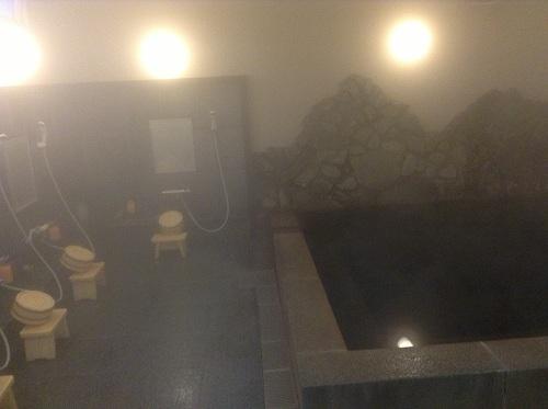 ホテルクドウ大分の温泉のシャワー