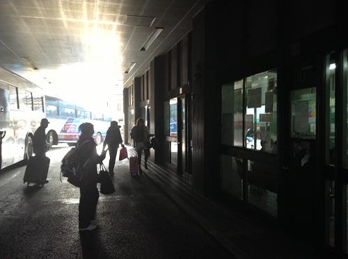 県営バス長崎ターミナルの待合所