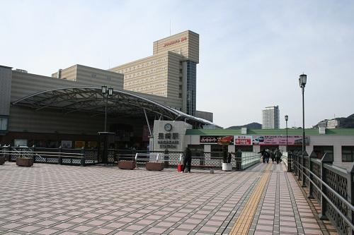 長崎駅前の陸橋と一体化した空中広場、JR九州ホテル 長崎、アミュプラザ長崎