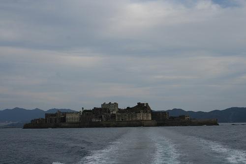 マーキュリー(軍艦島上陸・周遊ツアー船)の船上から去りゆく軍艦島