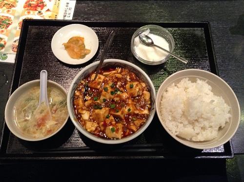 龍記(東京都港区新橋6丁目5-4 DIKマンション新橋B1)で注文した麻婆豆腐