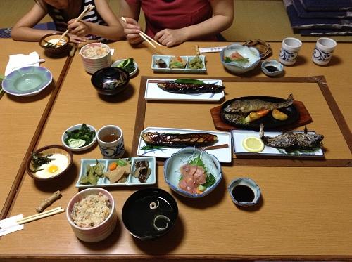 竹山荘(愛媛県松山市川の郷)で注文した料理「竹山得々定食」