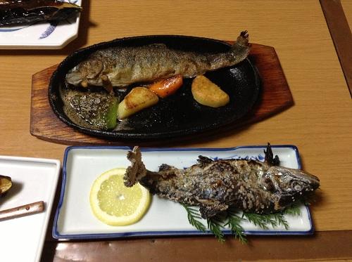 竹山荘の料理「竹山得々定食」の魚(塩焼き、バター焼き)