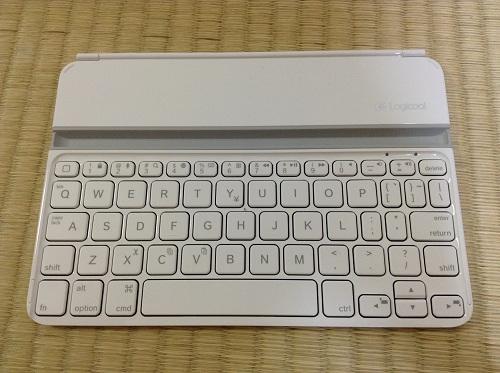 iPad mini用キーボード「Logicool Ultrathin Keyboard mini TM710WH(LOGICOOL ウルトラスリムキーボードミニ ホワイト TM710WH)」(キーボード表面)