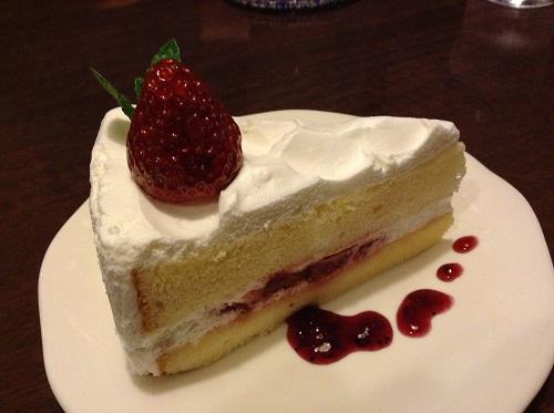 Cafe GRATO(カフェグラート)(愛媛県松山市余戸東5丁目3-7)のいちごショートケーキ