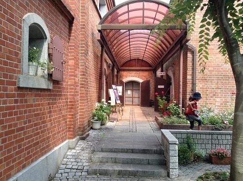 おおず赤煉瓦館(愛媛県大洲市大洲60番地)資料室前付近