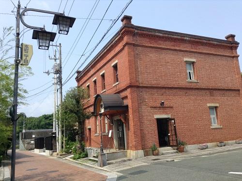 おおず赤煉瓦館(愛媛県大洲市大洲60番地)(斜め前方より)