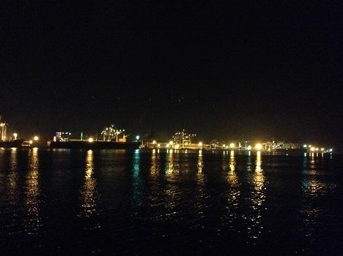 大分県大分市郊外の工場群の夜景