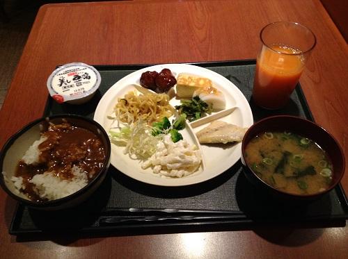「神戸サウナ&スパ」(KOBE SAUNA&SPA)「朝食バイキング無料サービス」で食べた朝食