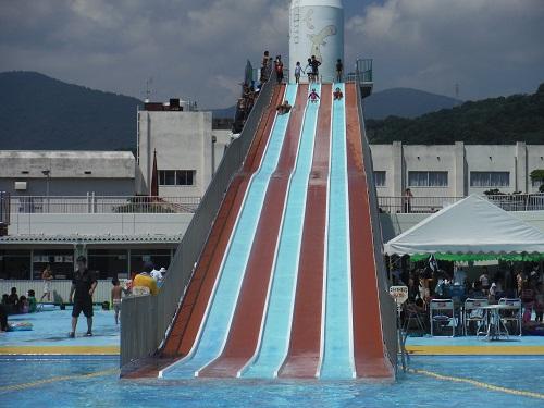南レクジャンボプール(愛媛県南宇和郡愛南町御荘平城728)の滑り台(大スライダー)