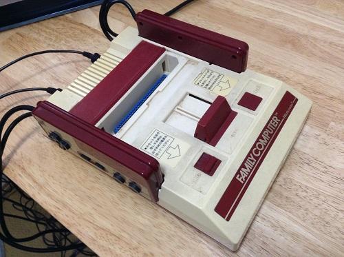 家庭用カセット式ビデオゲーム FAMILY COMPUTER ファミリー コンピュータ ファミコン 本体
