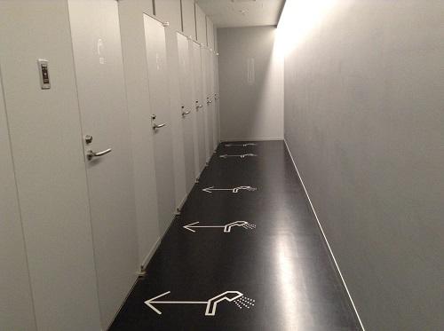 「9h nine hours ナインアワーズ成田空港」(住所:千葉県成田市古込1-1 成田空港内第2旅客ターミナル)のシャワールーム