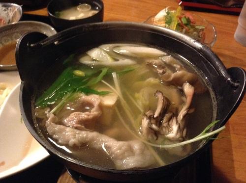 媛彦温泉のレストラン「モザンビーク」の悠湯膳の鍋