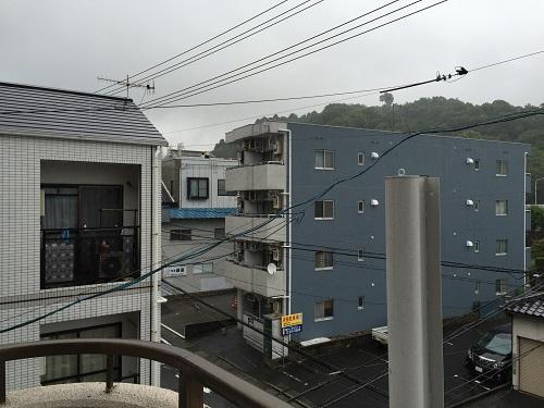 ホテルリッチ(広島県広島市安佐北区可部2-36-1)のツインルームのベランダから見える景色(北東側)