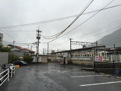 JR可部駅東口付近から見た可部駅ホーム