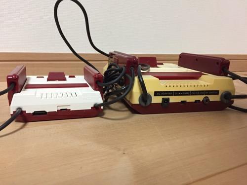 ニンテンドークラシックミニファミコンとファミリーコンピュータの本体(上部側面)