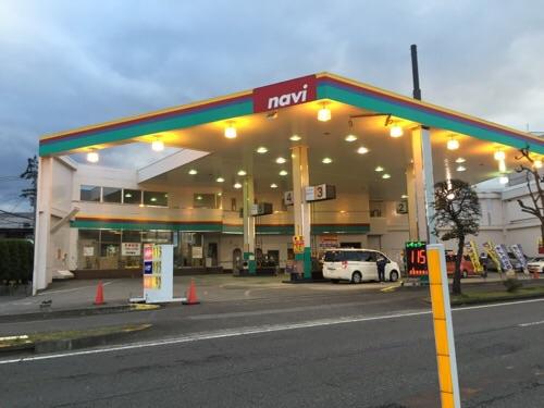 ガソリンスタンドのnavi(ナヴィ)余戸店の外観(2015年11月28日)