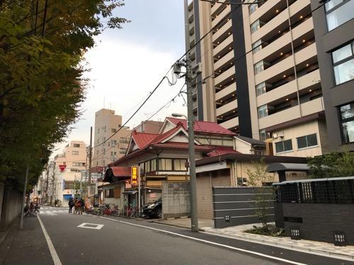 東京都台東区東上野の銭湯・寿湯の外観と周辺風景