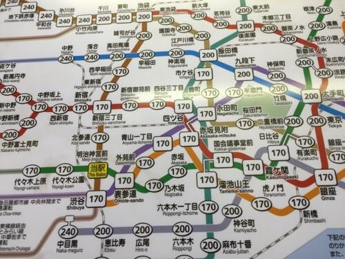 東京メトロ明治神宮前〈原宿〉駅の東京メトロきっぷ運賃表-明治神宮前〈原宿〉駅付近