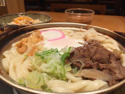 伊予の手造りうどんとお酒 山羊 ヨドバシAKIBA店の「松山名物鍋焼きうどん」(うどん二玉)