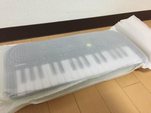 カシオ ミニキーボード S-46(クッションで包まれている状態)