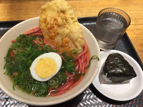JR広島駅 驛弁 驛麺家の広島カープ赤うどんと鮭おにぎり