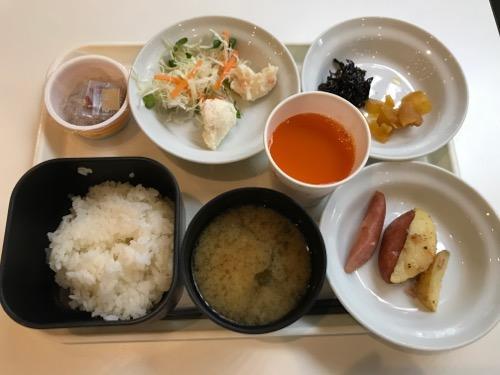ホテルエコノ金沢駅前のシングルルームの無料朝食
