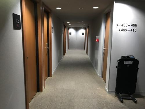 コンフォートホテル富山駅前の4階客室通路