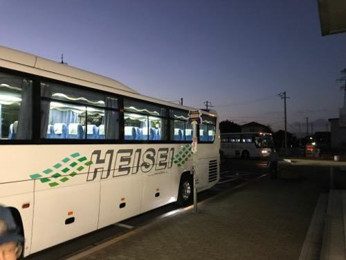 JR詫間駅前の代替バス3台目