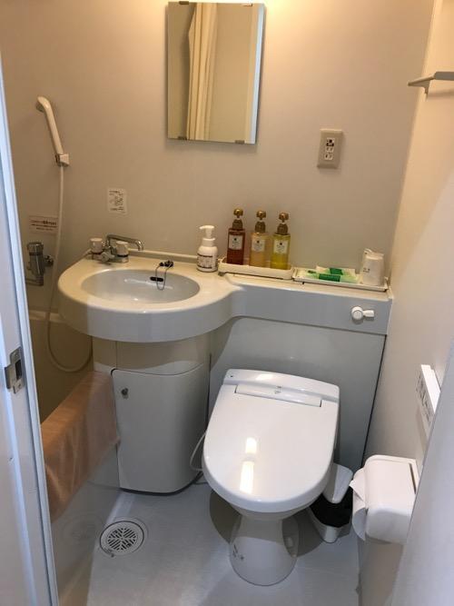 金沢ゆめのゆ(HOTELゆめのゆ)のシングルルームのトイレと風呂