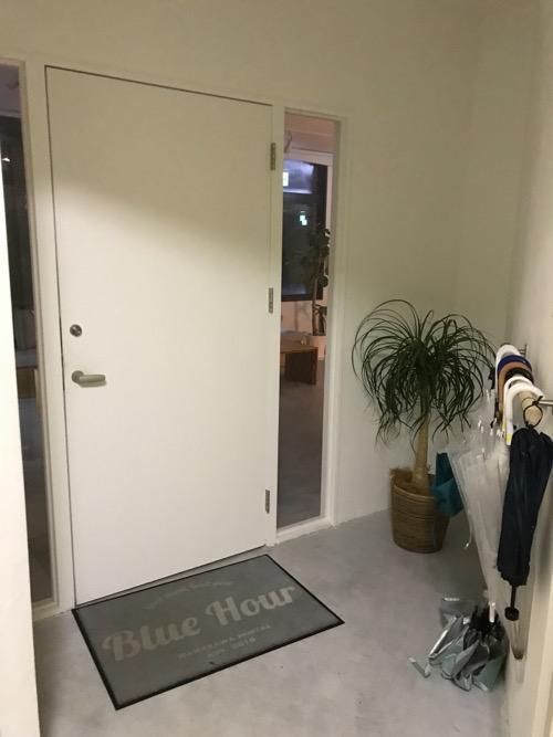 Blue Hour Kanazawaの玄関
