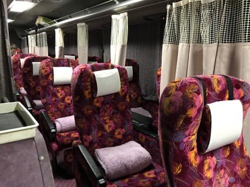 コトバスエクスプレスの夜行バス(シート名はプレミアム3)