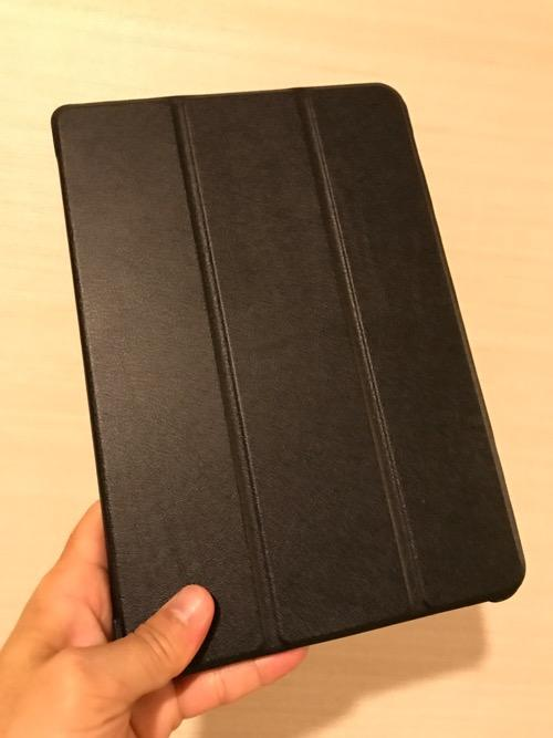 TrocentのASUS ZenPad 3S 10 (Z500KL)専用のタブレットケース装着時の様子(前面)