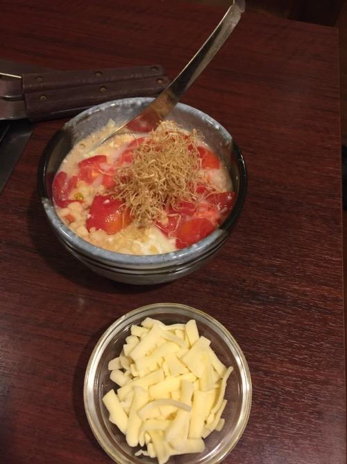 お多福 北千住店のミニトマトチーズもんじゃの具材