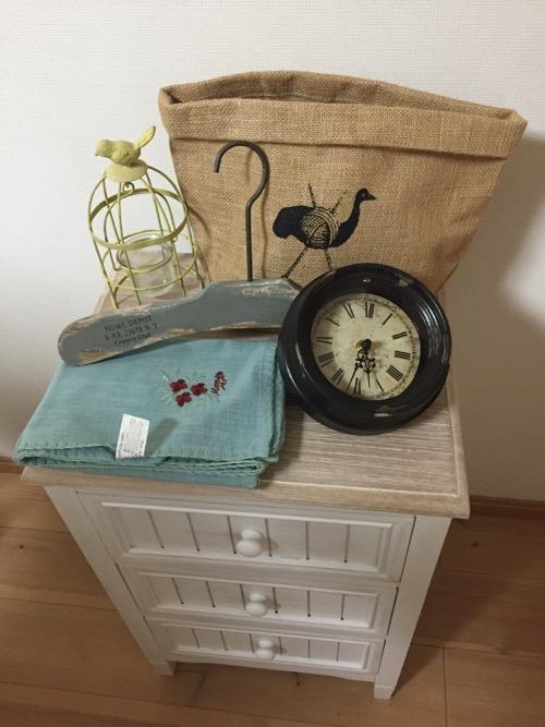 嶝野家具の2016年の福袋・Aタイプ『可愛いフレンチテイストの「3段チェスト+雑貨ちょこっと」5個限定』の中身と家具
