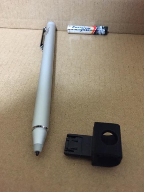 NEC PC-TW710CBS LAVIE Tab Wのデジタイザー機能搭載ペンの先端側