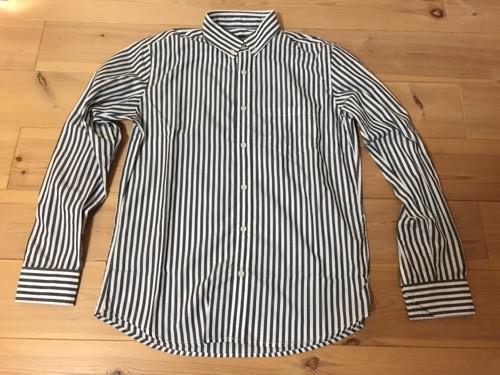 2017年のコムサイズムのメンズMサイズの福袋の白黒の縦縞ストライプの長袖シャツ